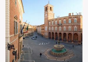 Piazza-di-Fabriano_marcopolonews copia