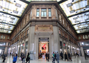 Galleria_Alberto_Sordi,_Roma,_2012-04-04